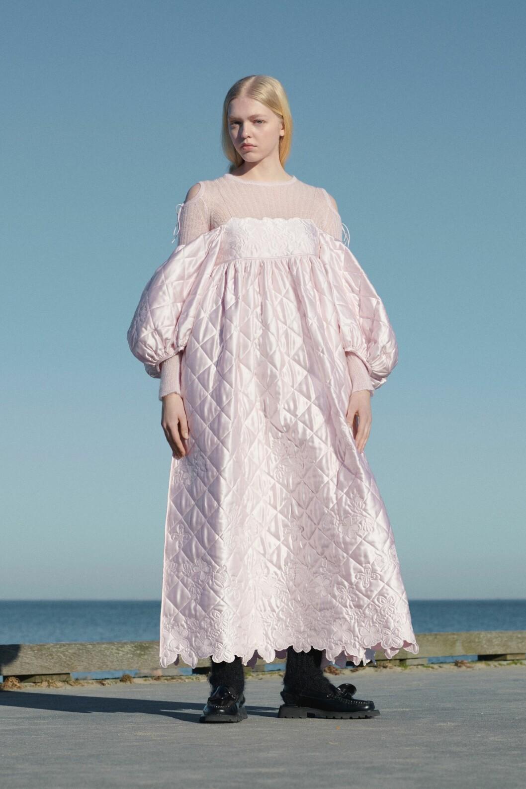 Rosa klänning från Cecilie Bahnsen