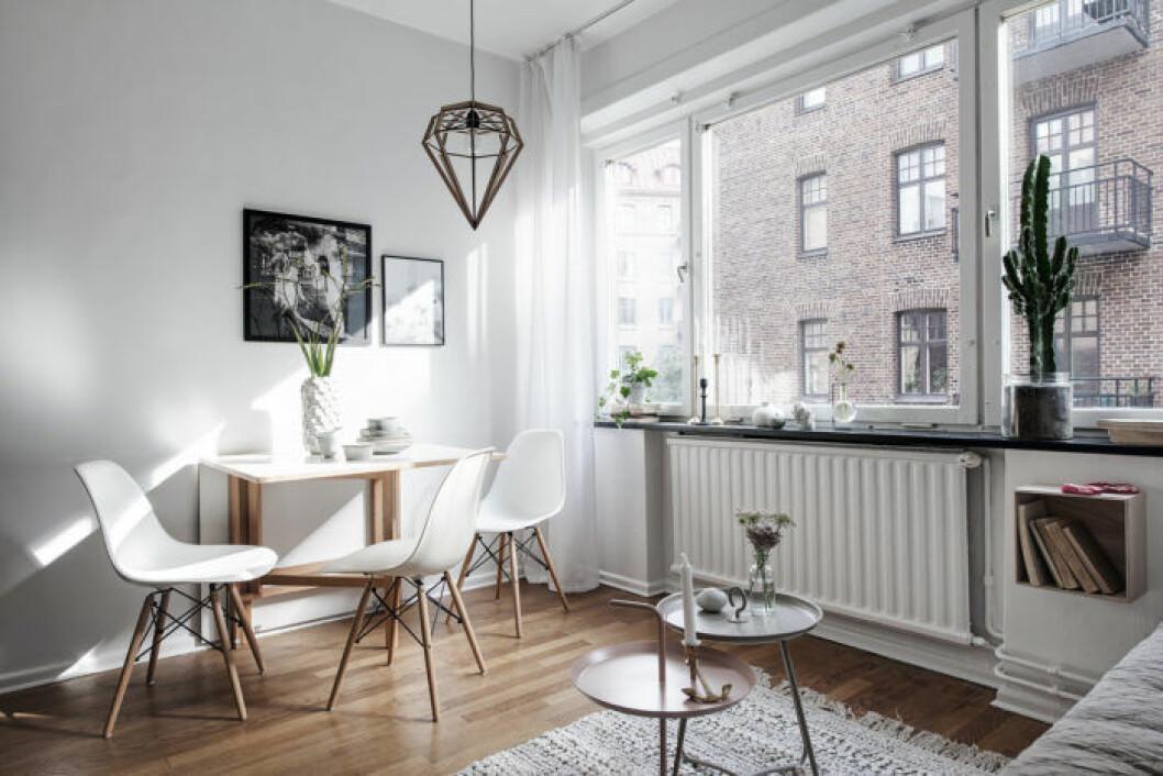 Stolen Eames stol vitra är trendig på hemnet.