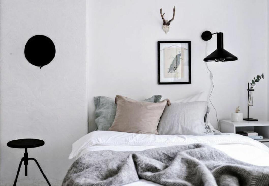 Sovrum i pastell och grå toner
