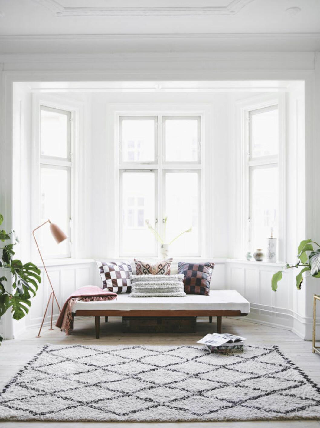 Möblera lågt om du vill inspireras av stilen japandi.