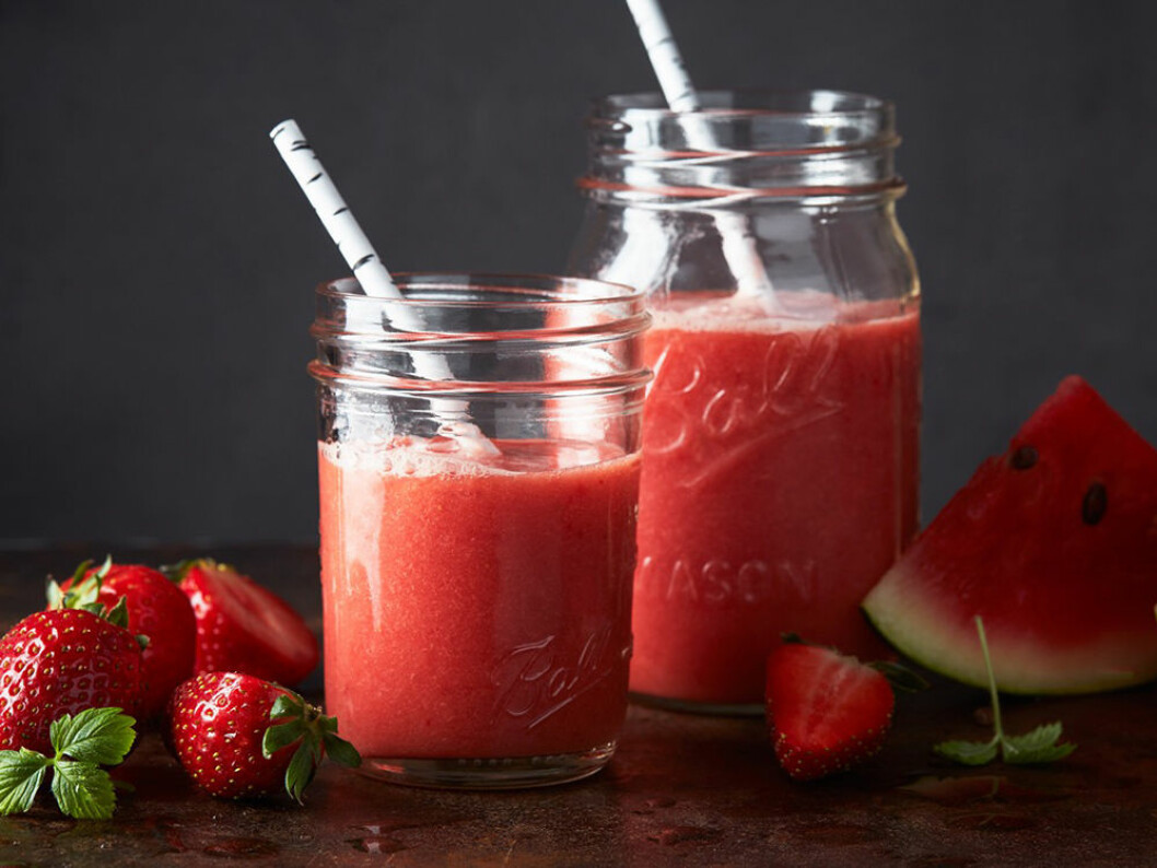 Slushie med jordgubbar och melon.