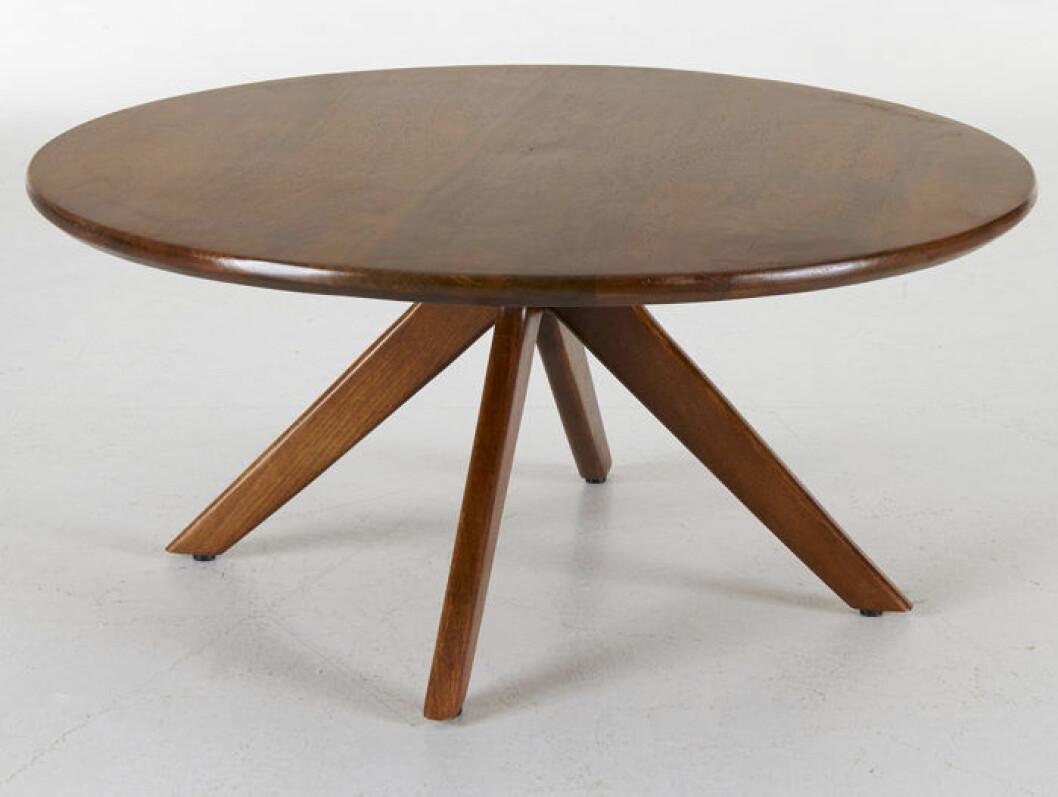 Runt bord i mörkt trä från Ellos Homes vintagekollektion