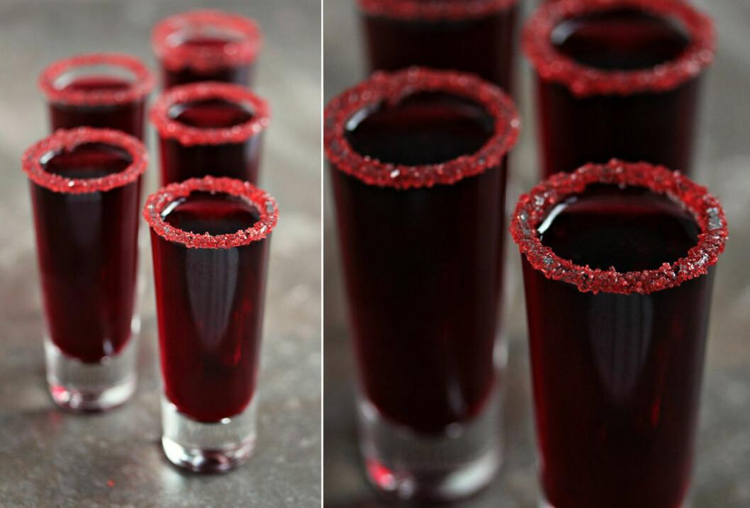 Blodröd sangriabål.
