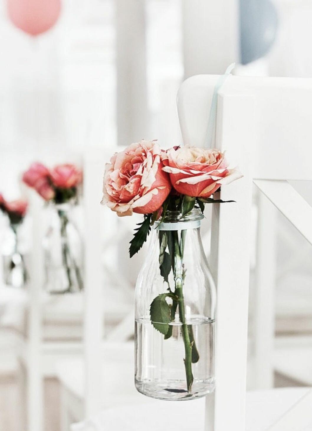 Blommor dukning bröllop