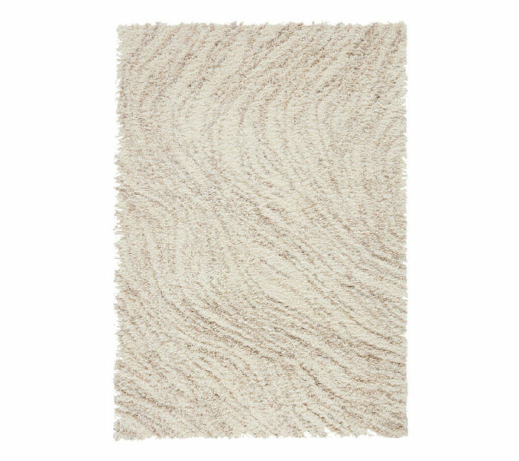 Långhårig matta med vågmönster från Jotex.