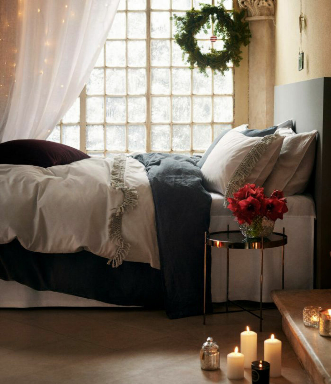 Sovrum med julkänsla