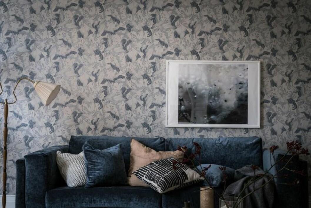 Matcha tapet med möbler.