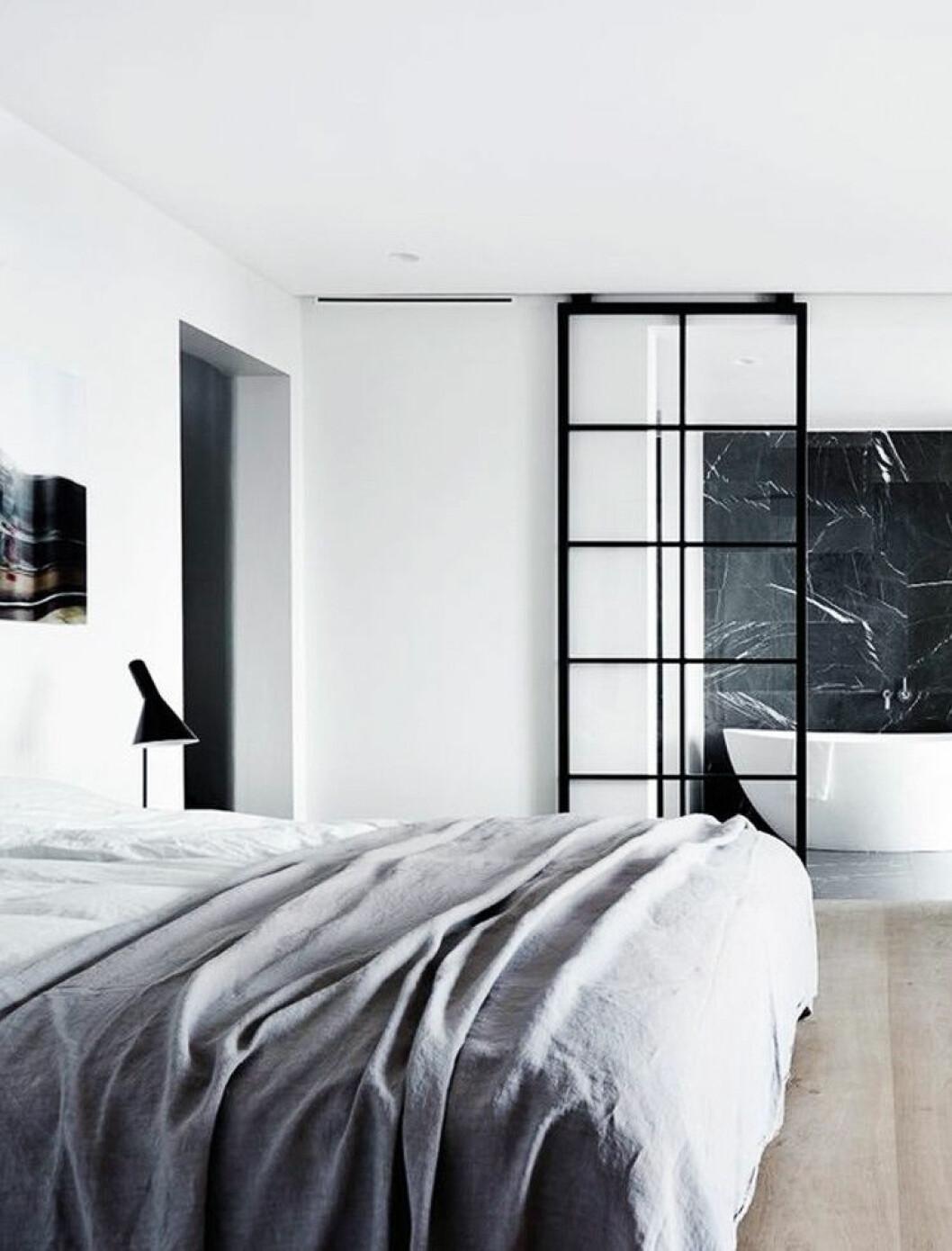 09. glass-wall