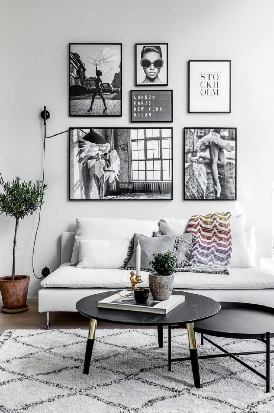 Scandinavian decoration and ideas. Art wall and light livingroom.