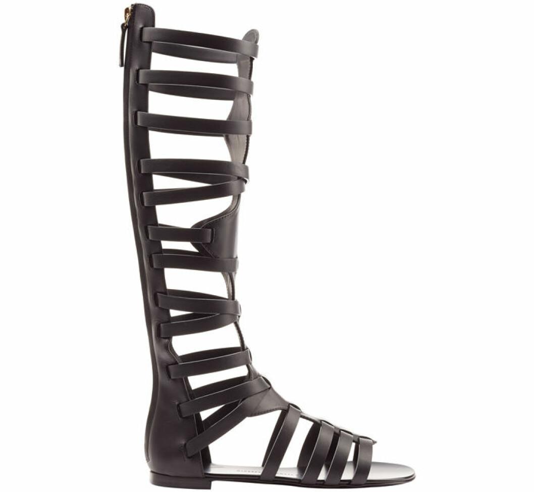 11. Sandal, 3.429 kr, Giuseppe Zanotti Stylebop.com