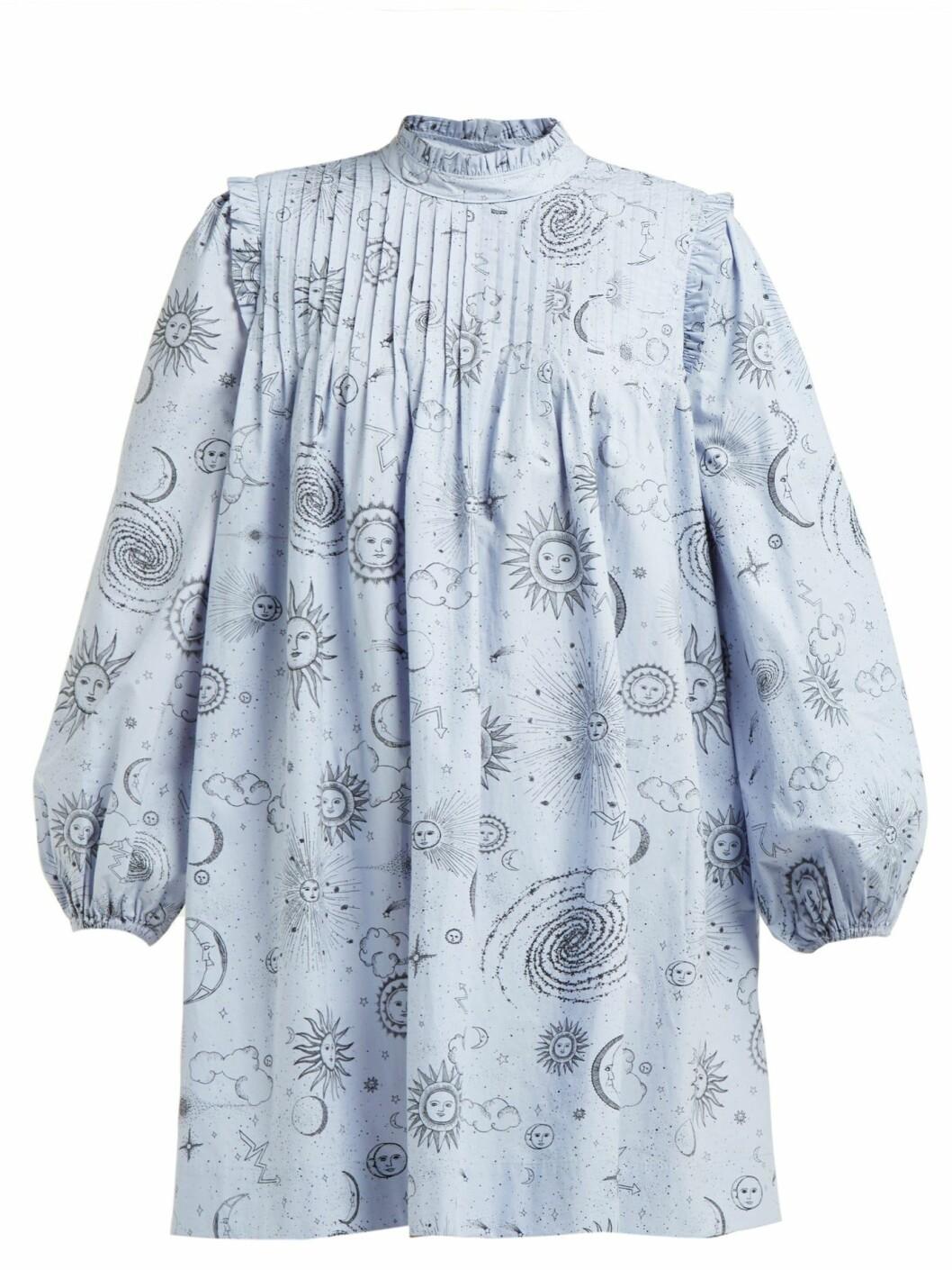 Ljusblå klänning från det exklusiva samarbetet mellan Ganni och Matchesfashion.com.
