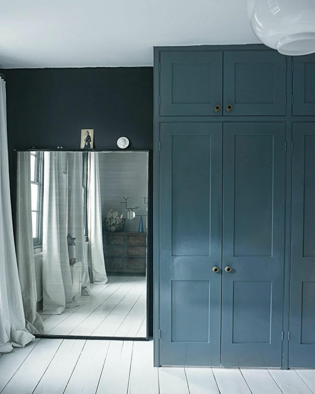 Gråblå garderob