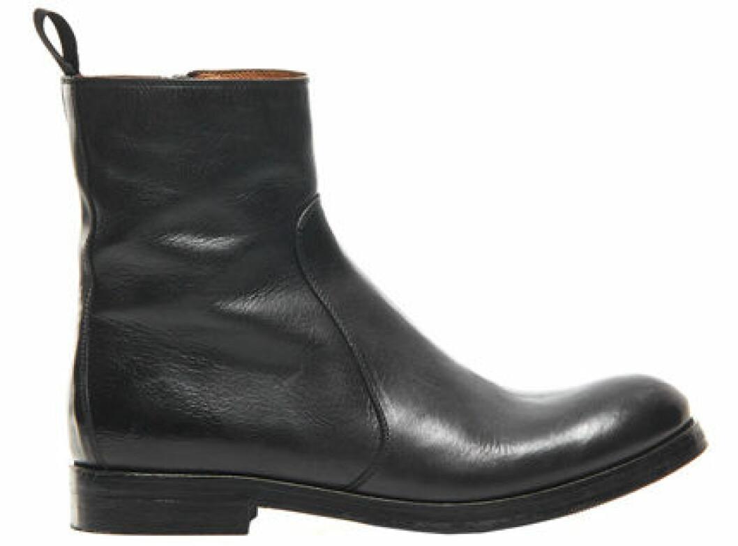 14. Boot, 3 700 kr, Hope