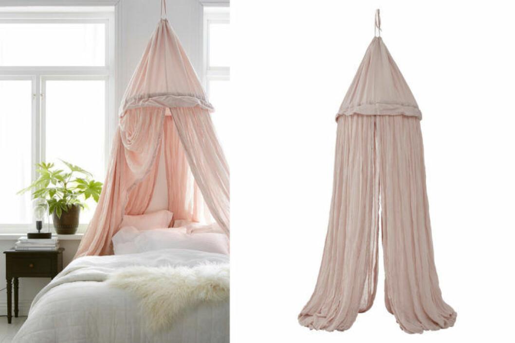 Romantisk sänghimmel i skrynklig bomull.