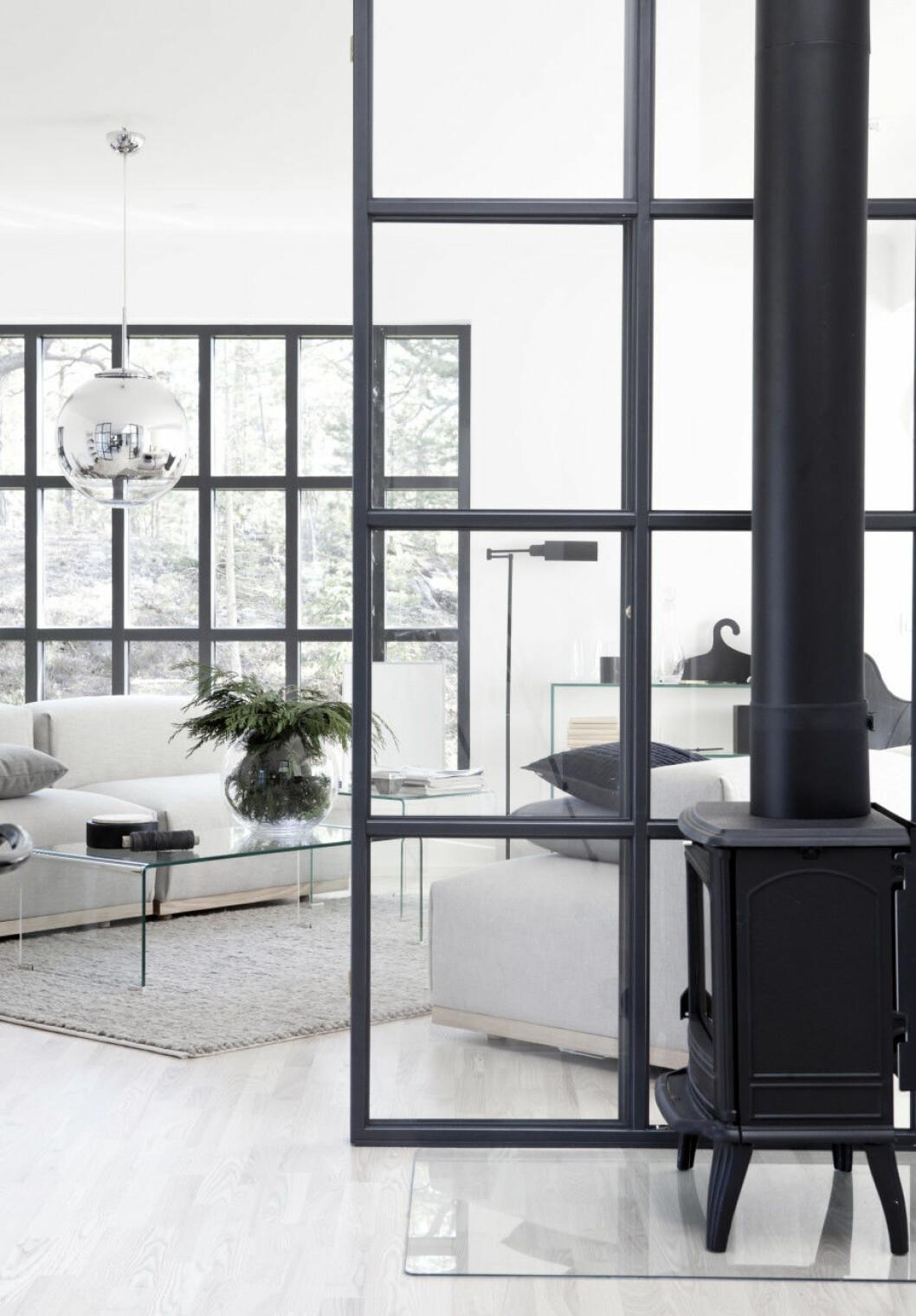 19. glass-walls-Blooc
