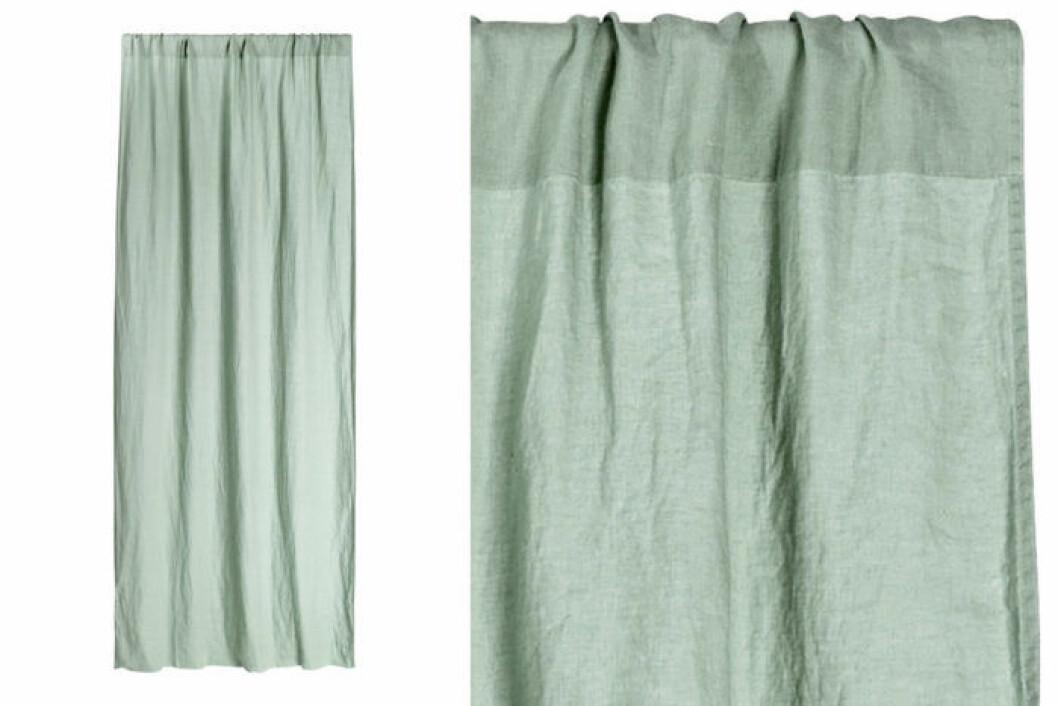 Ljusgröna gardinlängder.