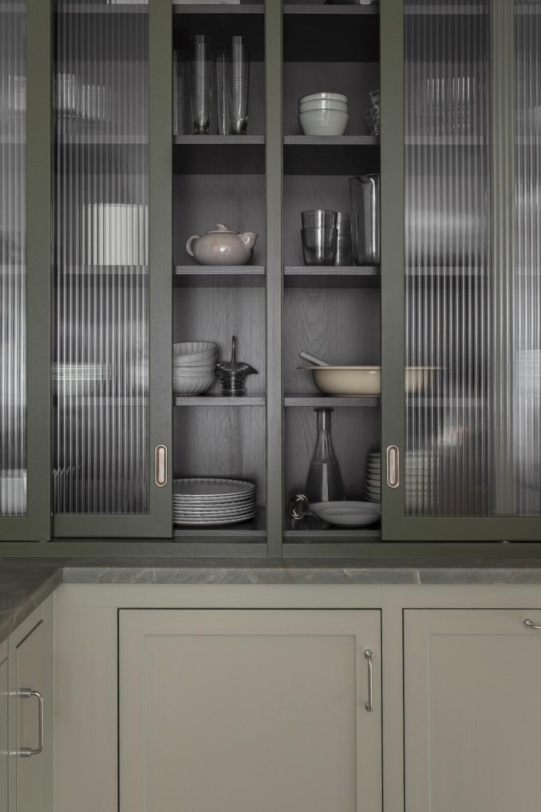 vitrinskåp i kök från kvänum