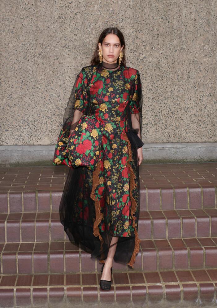 Blommig klänning från h&m x toga