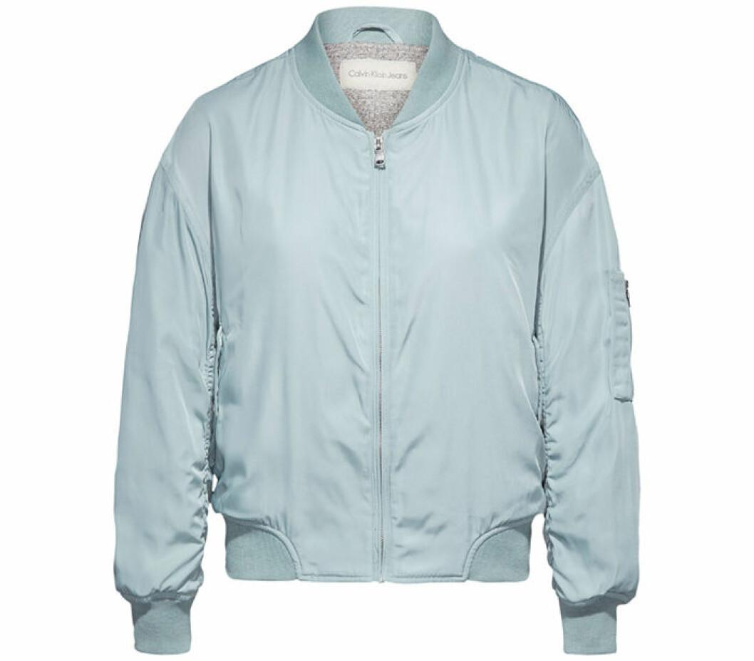 3. Bomberjacka, 2000 kr, Calvin Klein Jeans