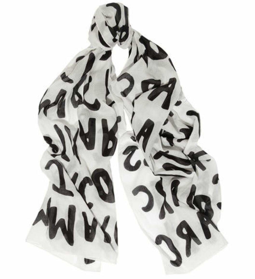 3. Scarf, 977 kr, Marc by Marc Jacobs Net-a-porter.com