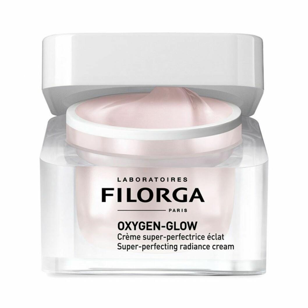 Ett måste till Frida är dagkrämen Super-perfecting Radiance cream från Filorgas serie Oxygen-glow