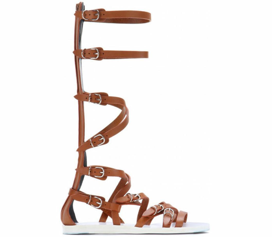 5. Sandal, 7262 kr, Balenciaga Mytheresa.com