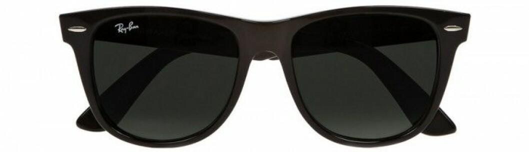 6. Solglasögon, 1310 kr, Ray-Ban Net-a-porter.com