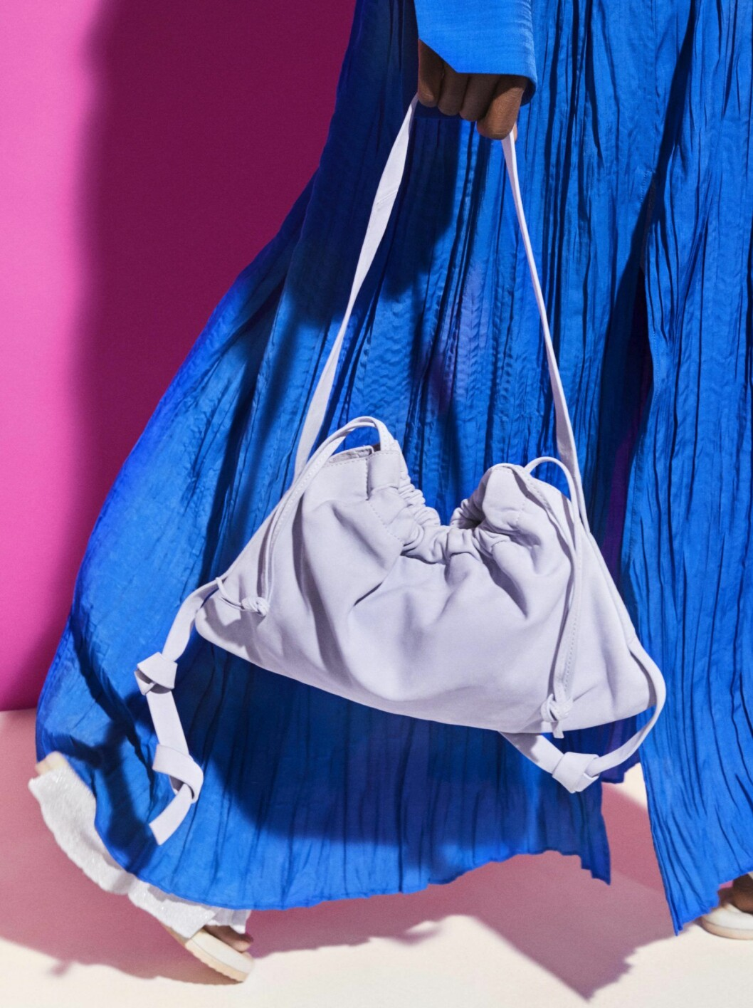 Ljusblå väska från H&M Studio SS20