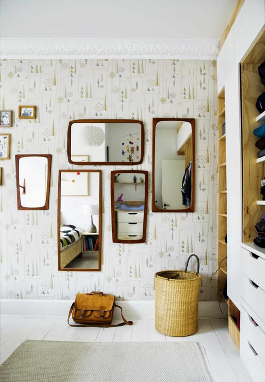 Speglar med träram