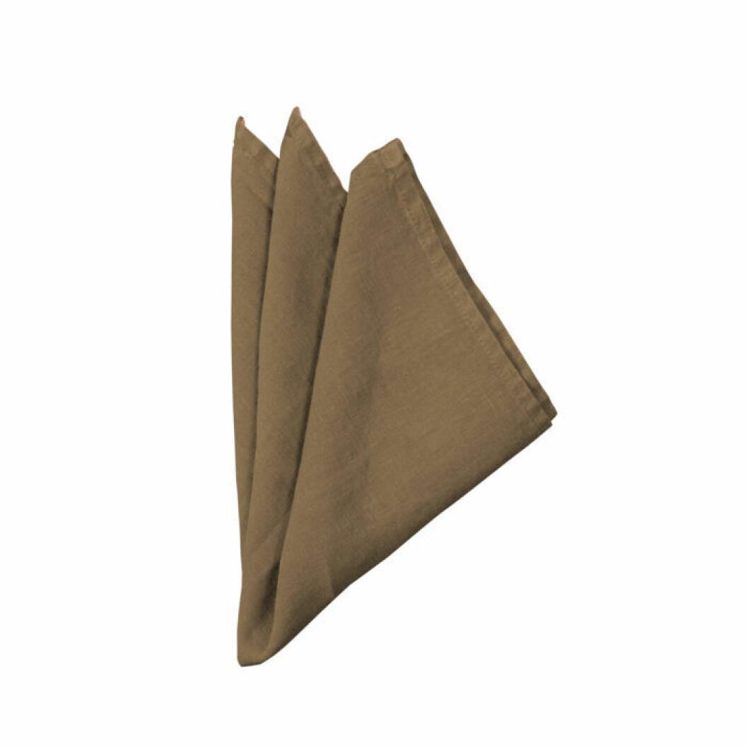 Satsa på servetter i lyxigt linne. Till exempel dessa i 100 % linne från By On.