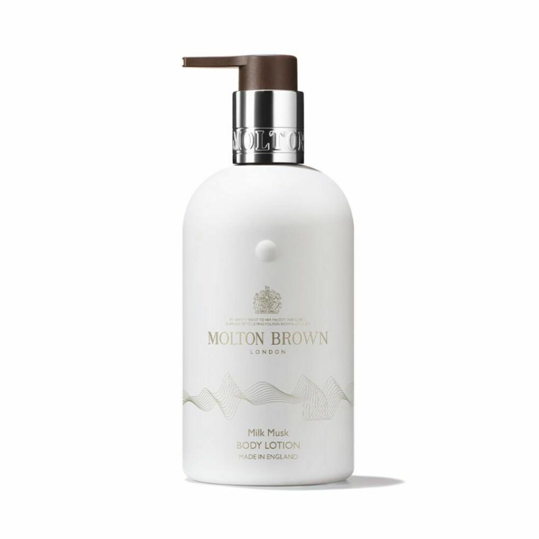 En skön kroppslotion med ljuvlig doft är Milk musk body lotion från Molton Brown.
