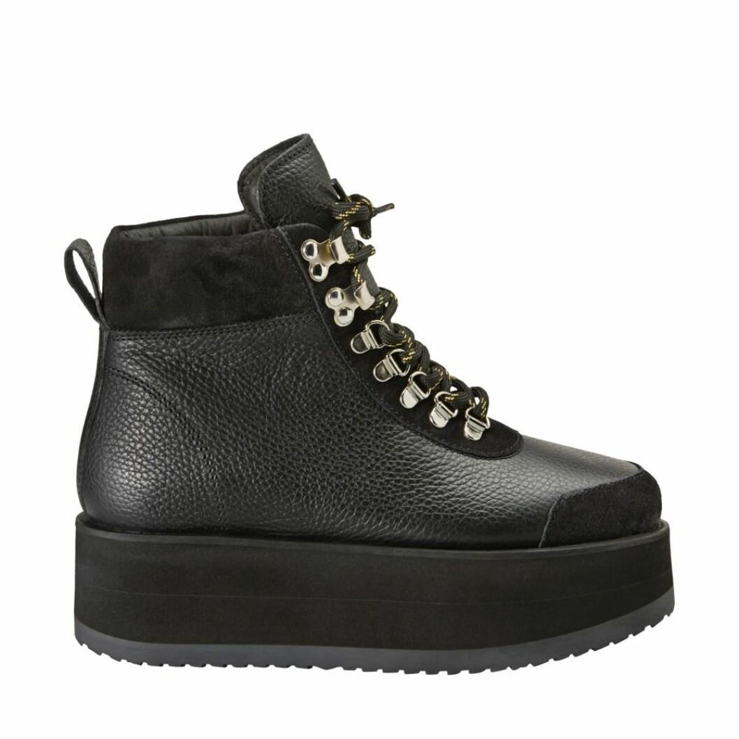 Svarta skor från Minimarket.