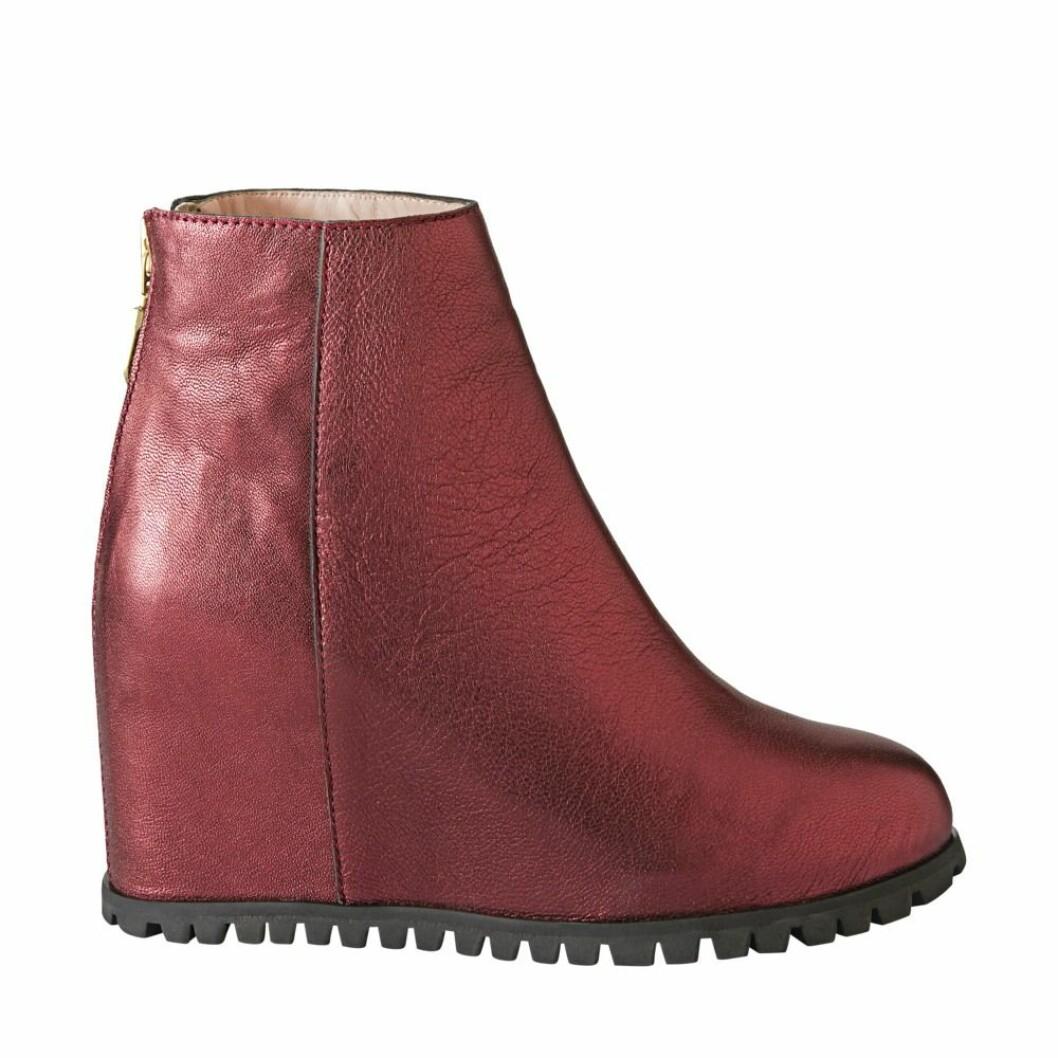 Röda skor från Minimarket.