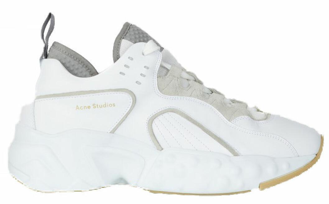 chunky sneaker i vitt, grått och beige från Acne studios.