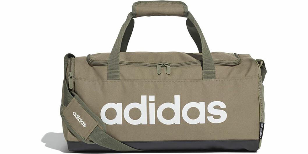 Grön träningsväska från Adidas med extra fack