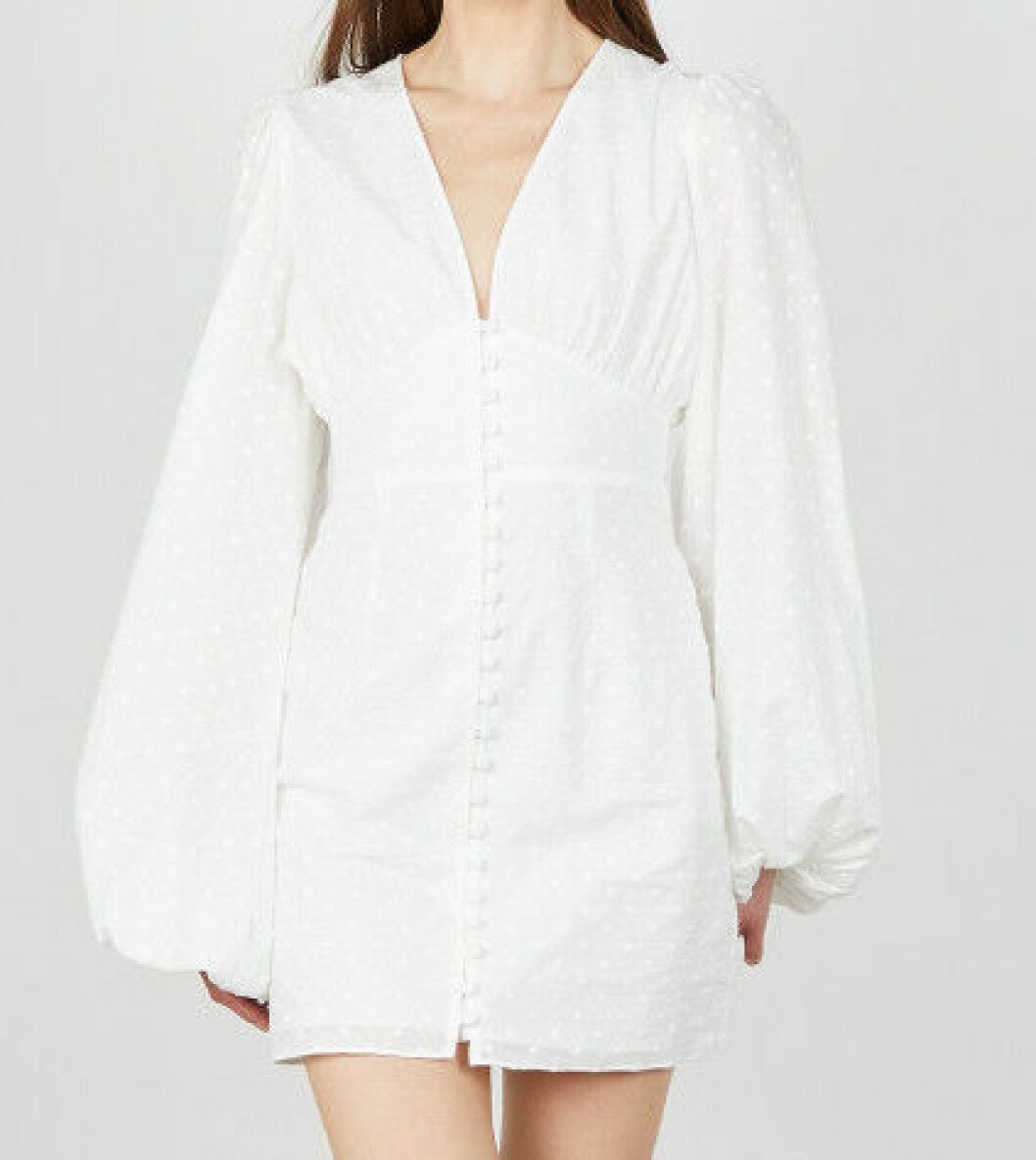 vit kort klänning från Adoore.