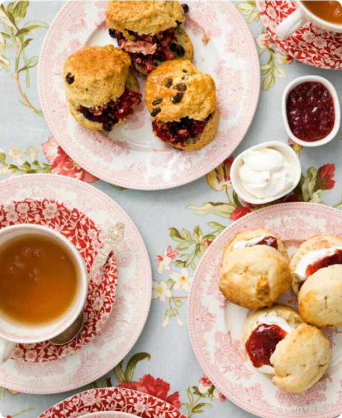 Recept på klassiska scones med marmelad