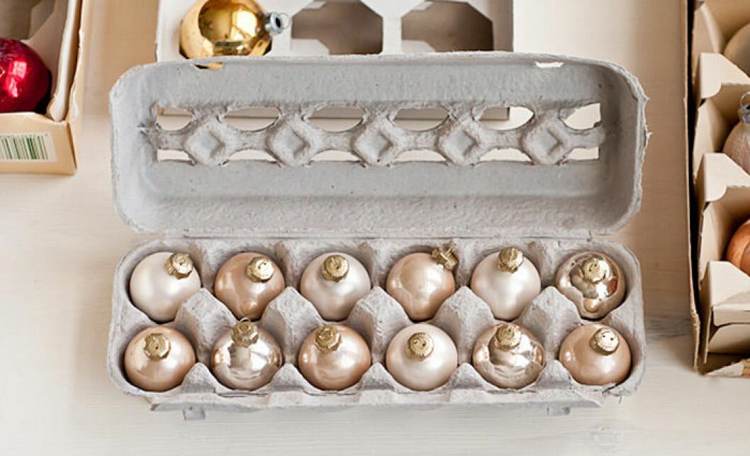 Förvara julgranskulorna i en äggkartong!