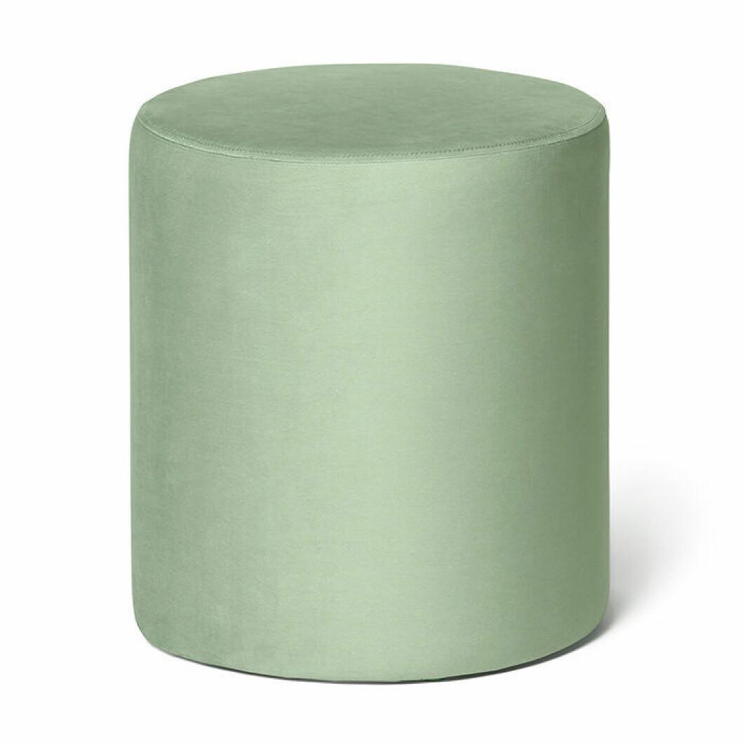 Sittpuff i ljusgrön sammet från Åhléns