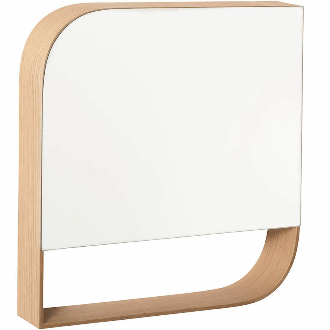 Spegel i ek.