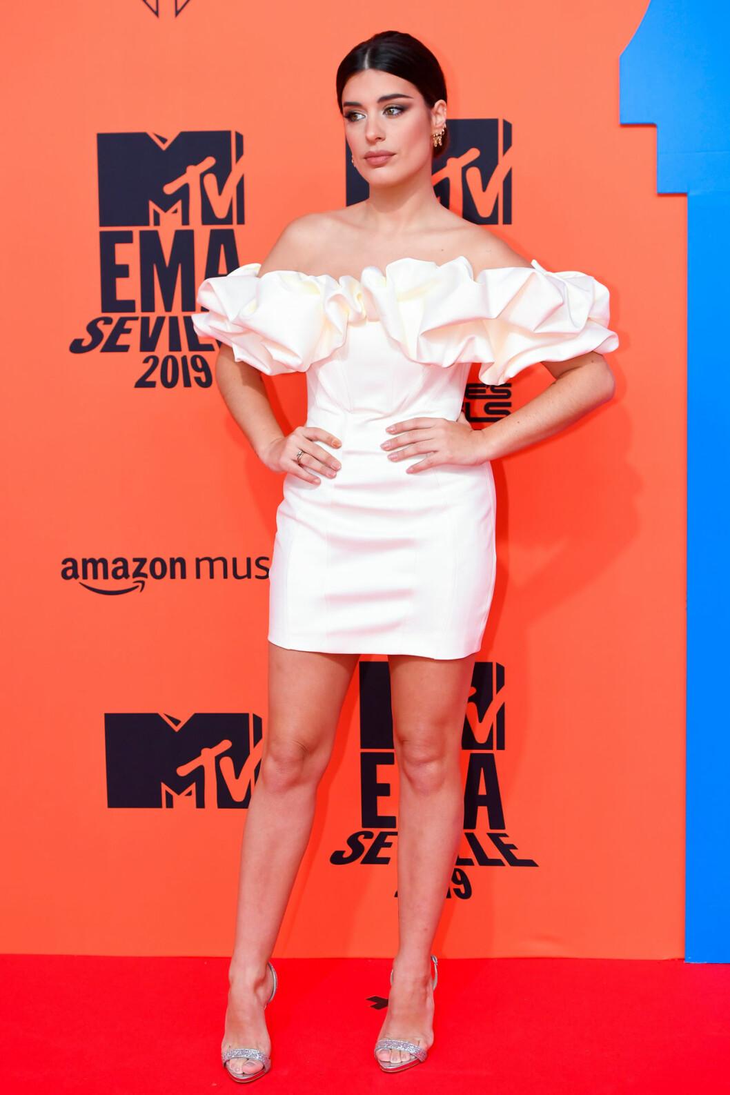 Aida Domenech på röda mattan på MTV EMA 2019