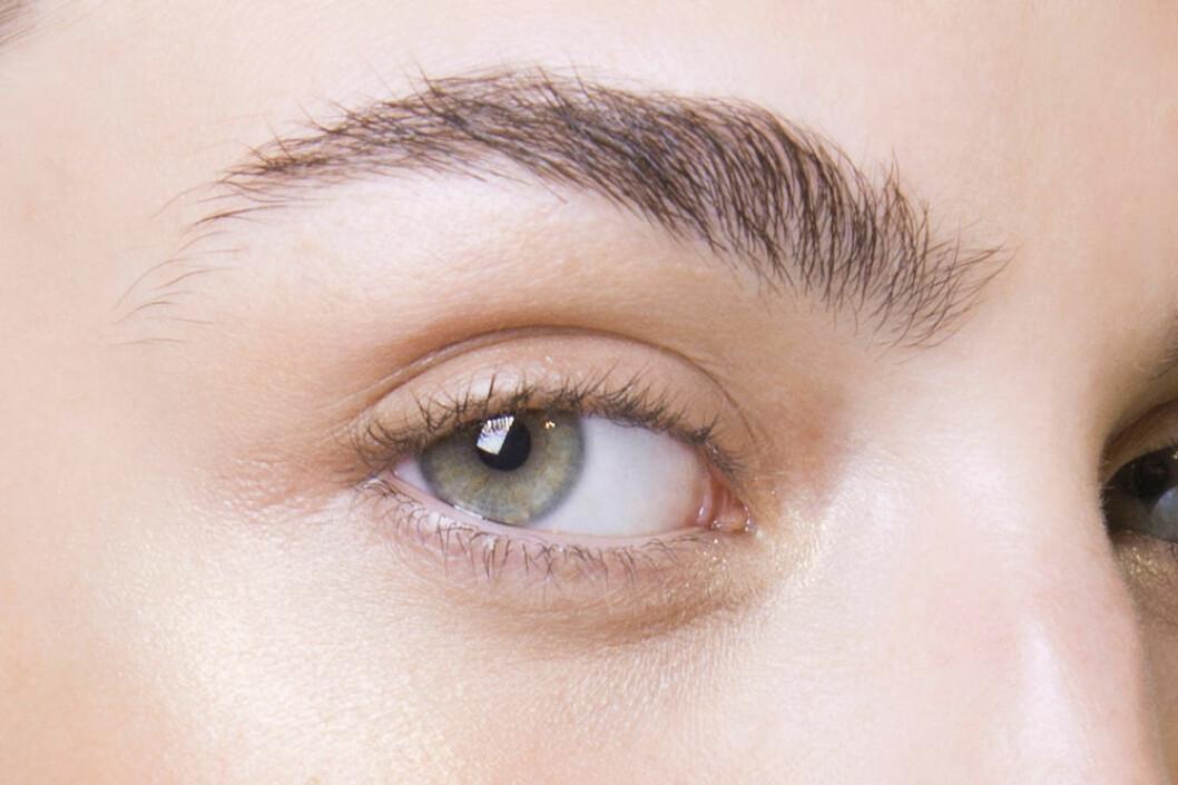 Akris naturligt ögonbryn