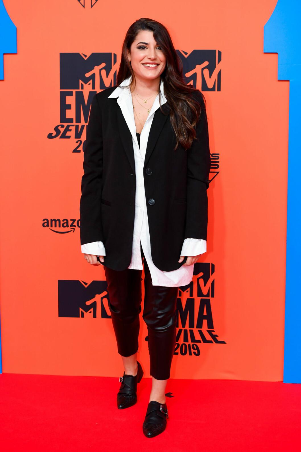 Alba Paul Ferrer på röda mattan på MTV EMA 2019
