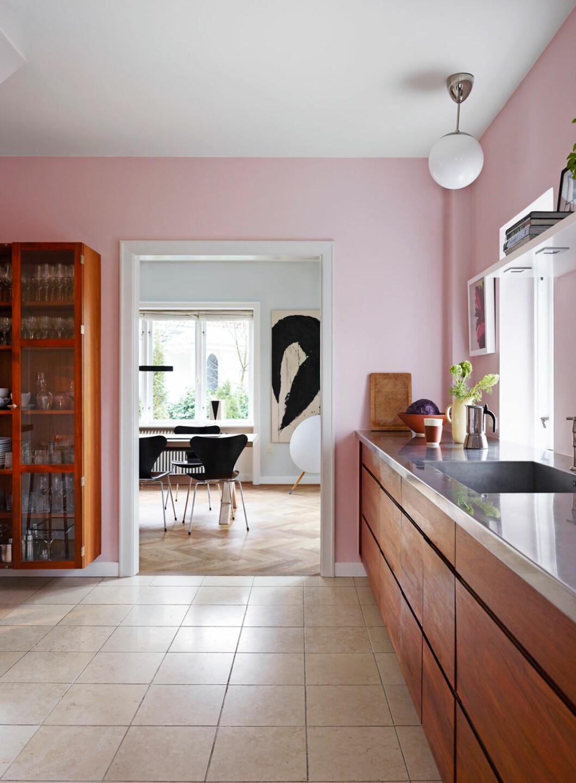 Hemma hos Alice Folker kök rosa