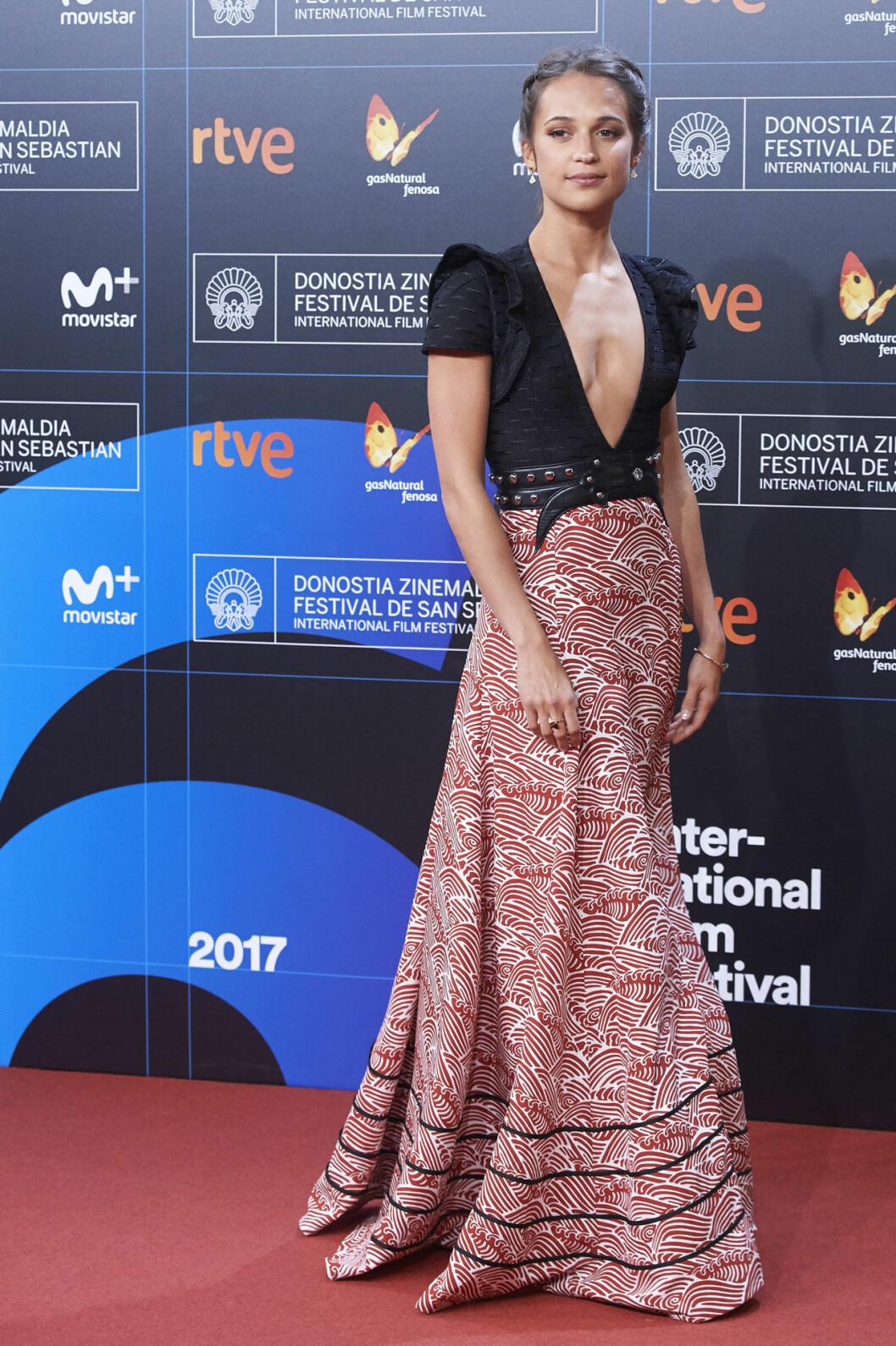 Alicia Vikander i tvådelad klänning