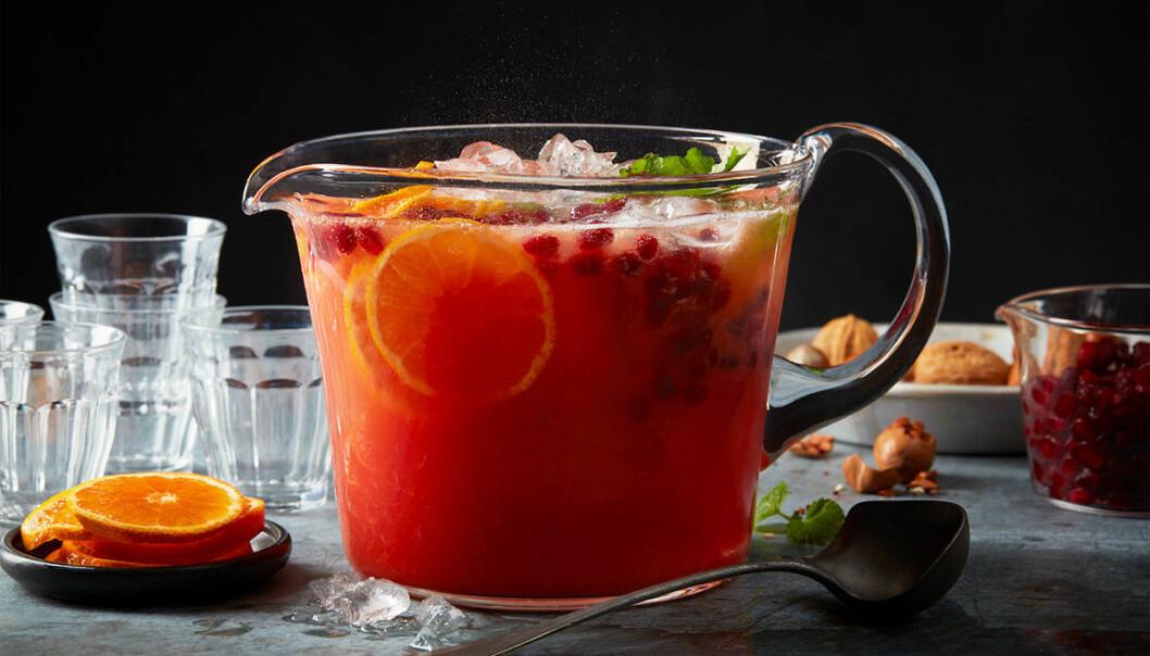 Bjud på en alkoholfri juicesangria i jul!