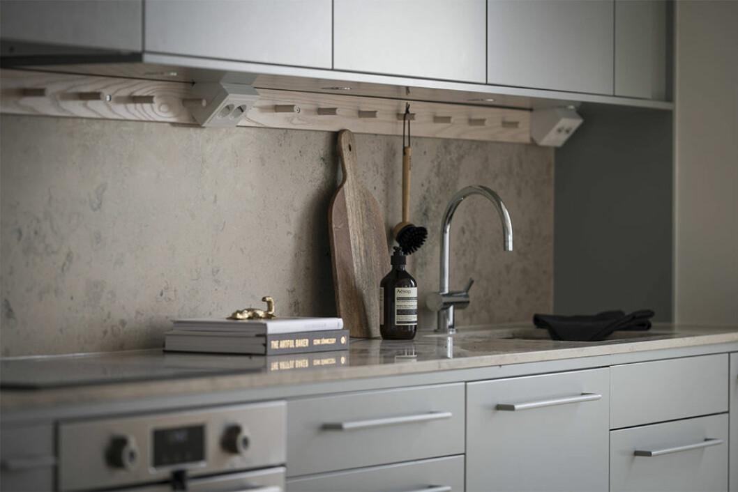 Kök med detaljer i trä