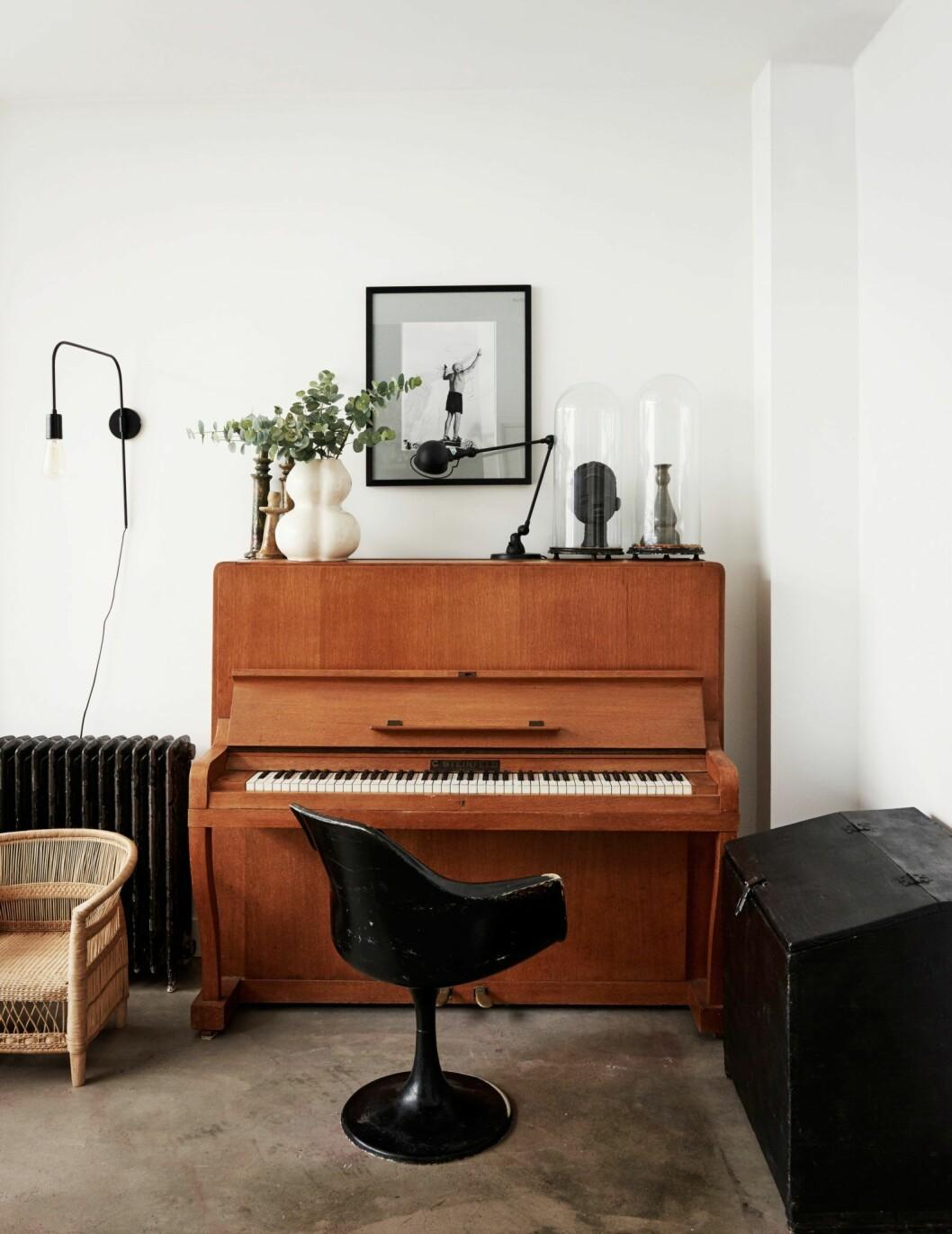 Piano och stilleben i hemmet i Amsterdam.