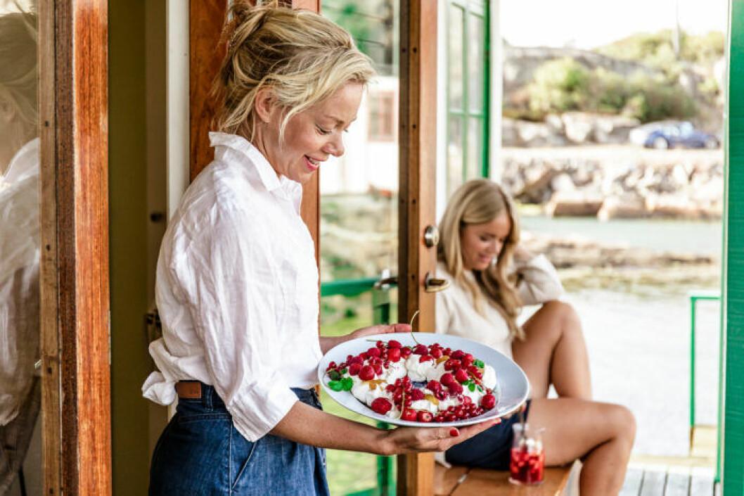 Amy och Ebba von Sydow spenderar mycket tid i Marstrand på sommaren.
