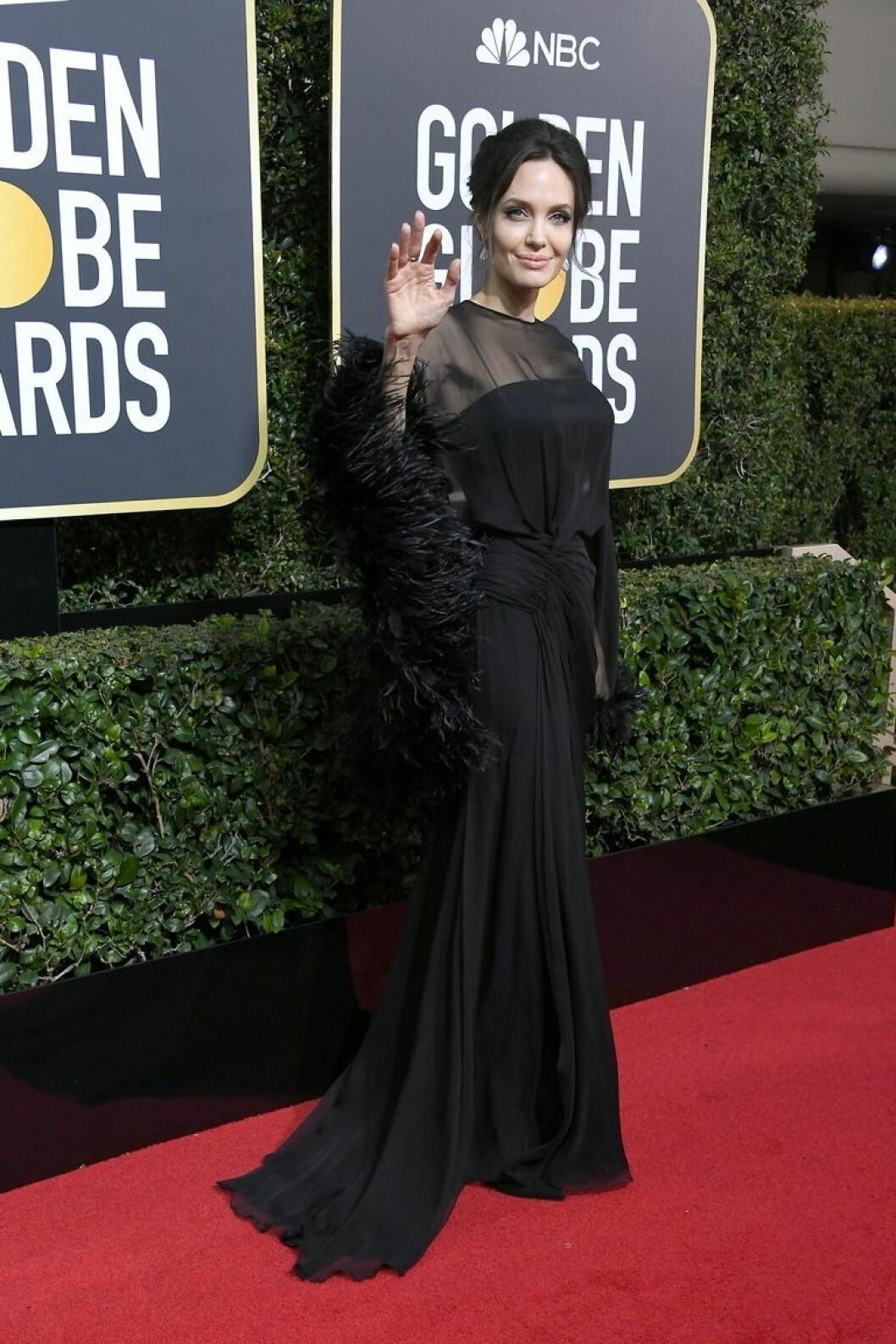 Angelina Jolie under Golden Globe 2018.